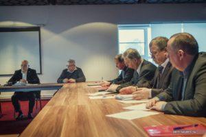 Участники круглого стола с Александром Шаравиным в Костроме